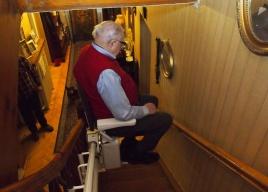 Pan Jerzy i jego winda schodowa ALFA