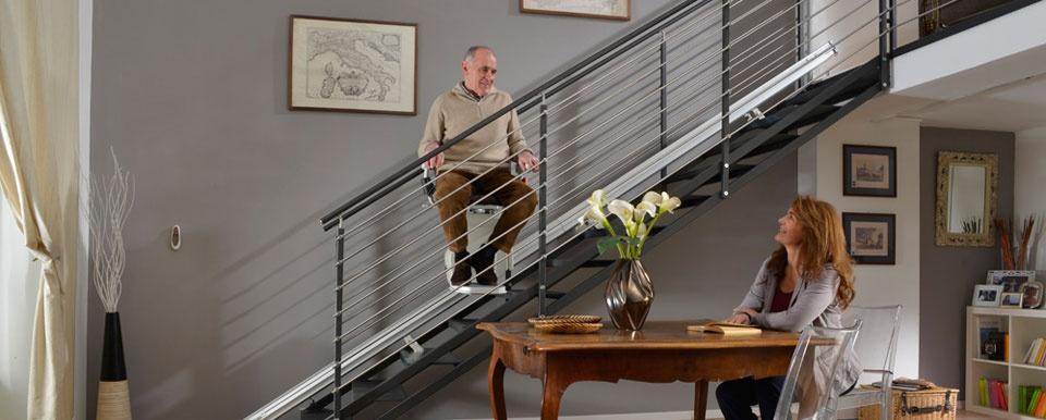 Winda schodowa dla seniora Platyna po torze schodowym prostym od Lift Plus PL