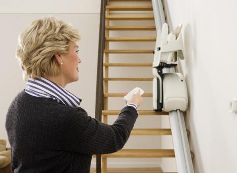 Krzesełko schodowe Home z szyną prostą