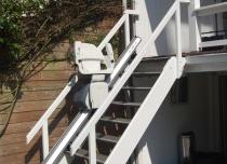Instalacja krzesełka schodowego Home na schodach zewnętrznych