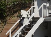 Krzesełka schodowe Home w wersji zewnętrznej są odporne na działanie niekorzystnych warunków atmosferycznych
