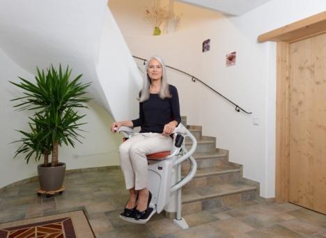 Krzesełko schodowe Alfa z torem krętym