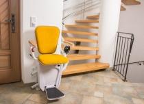 Dźwigowe krzesełko schodowe Alfa w nowej odsłonie obicia tapicerki i siedziska