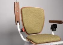 Winda schodowa Alfa w wersji exclusive wyróżnia się m. in zaokrąglonym siedziskiem i oparciem
