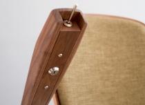 Winda schodowa Alfa w wersji exclusive - oparcie, siedzisko i podłokietniki wykonane z drewna orzechowego