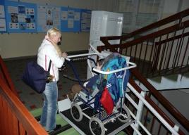 Jazda platformą schodową jest prosta, przyjemna i bezpieczna