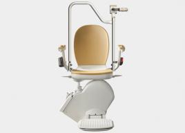 Krzesło schodowe od Acorn z możliwością transportu w pozycji stojącej
